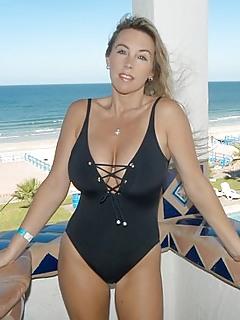 Bikini Porn Pics