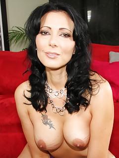 Brunette Porn Pics